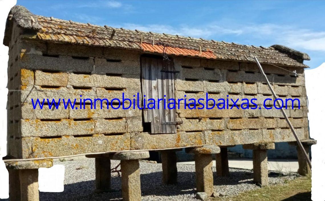 HORREO DE PEDRA TRADICIONAL GALEGO
